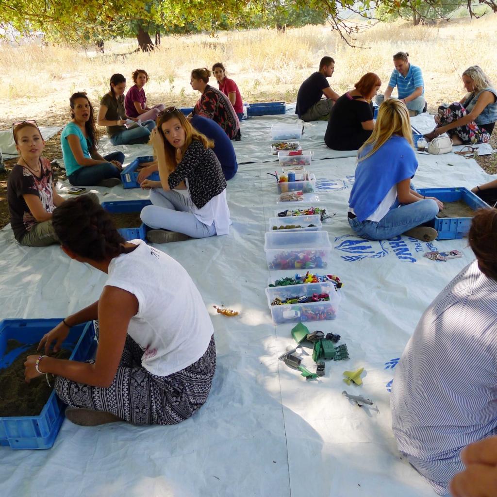 Vorbereitende Schulung der Begleiter, welche während dem Projekt Ihre volle Aufmerksamkeit dem Sandspieler geben.